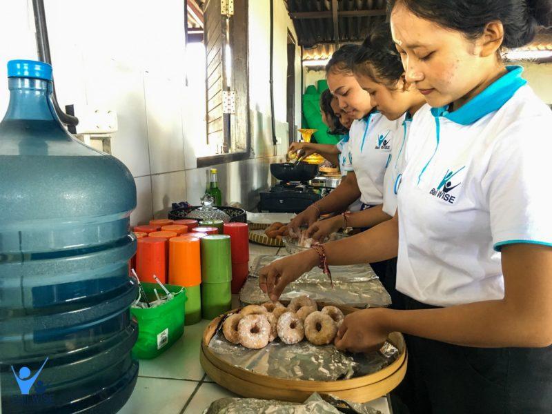 Making Doughnut With Ms. Dee – Intake 41