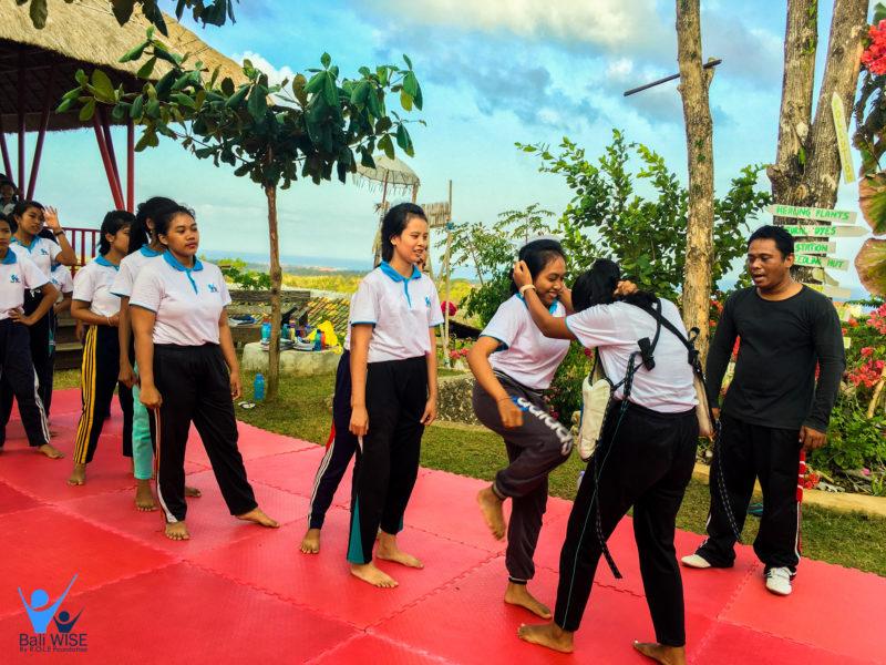Self Defense Class – Intake 42