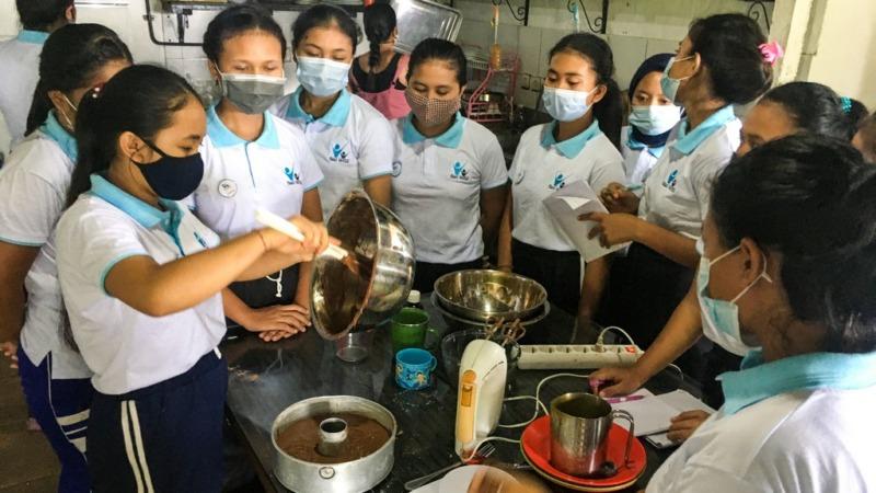 Yoga and baking at Bali WISE