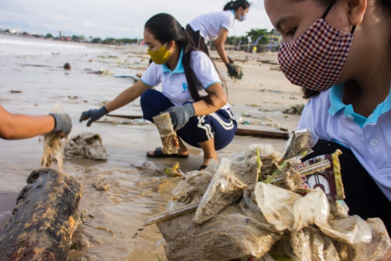 January's beach cleanup and crowdfunding for new minibus