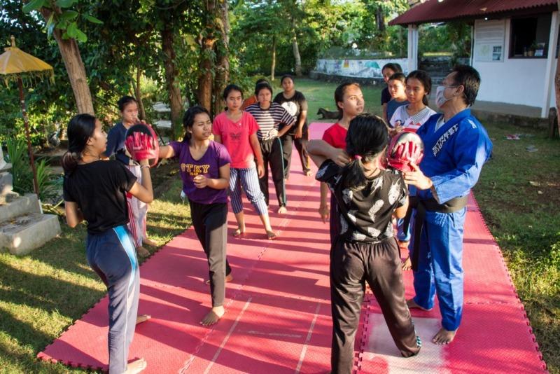 Learning Basic Self-Defense